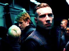 Love this scene ! Eric Divergent, Divergent Trilogy, Casey Labow, Eric Coulter, Jack Falahee, Jai Courtney, Biological Father, Manga, Hunger Games
