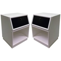 Pair of Two-Tone Nightstands by Henredon 1