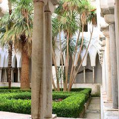 Duomo di Amalfi 💒  -  -  -  -  -  #amalficoast #amalfi #italy #ig_worldclub #igmasters #chatedral #duomo #instaoftheday #instagood #tagsta #travelpic #traveladdict #travelgram #travelblog #europe #goodday #summer #garden  #wanderlust #world #worldplace #vacation #memories #mytravelgram