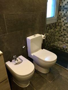 Cuarto de baño Toilet, Living Spaces, Barcelona, Bathroom, Nail Decorations, Quartos, Washroom, Flush Toilet, Full Bath