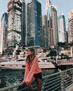 Dubai Marina - Places to go - urlaub Dubai Vacation, Dubai Travel, London Travel, Dream Vacations, Dubai Hotel, Dubai City, Diana Gabaldon, Foto Dubai, Travel Pictures