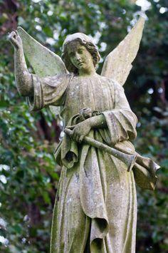 West Cemetery - Highgate Cemetery