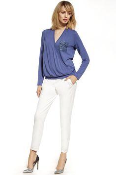 Women trousers model 74562 Enny. Spandex 4 % Polyester 33 % Viscosa 63 %       Size Lenght Hips width Waist width    36 94 cm 96 cm 73 cm   38 94 cm 100 cm 77 cm   40 94 cm 104 cm 81 cm   42 94 cm 108 cm 85 cm