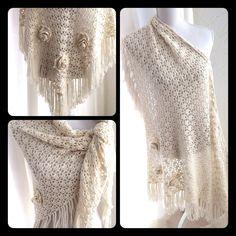 Een persoonlijke favoriet uit mijn Etsy shop https://www.etsy.com/nl/listing/484223441/gehaakte-bruidssjaalrozen-crochet