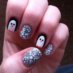 Beauty School Dropouts: Penguins and Holographic Snowflakes Winter Manicure