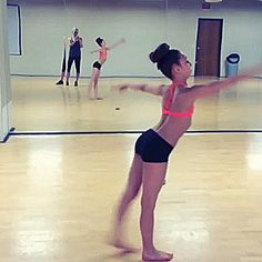 Not ballet but still Sophia Lucia awesomeness. Flexibility Dance, Gymnastics Flexibility, Rhythmic Gymnastics, Tumbling Gymnastics, Dance Moms, Just Dance, Amazing Gymnastics, Gymnastics Videos, Cheerleading