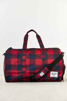 0b14171a5d Herschel Supply Co. Novel Weekender Bag - Urban Outfitters  80 Christmas  Gifts For Him