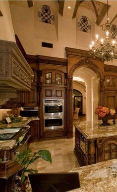 Tuscan design – Mediterranean Home Decor Tuscan Kitchen Design, Best Kitchen Designs, Interior Design Kitchen, Tuscan Kitchen Colors, Luxury Kitchens, Cool Kitchens, Tuscan Kitchens, Italian Style Kitchens, Tuscan Home Decorating