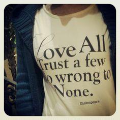 @mariana siebert usando Camiseta Marché! #tee