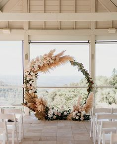 stunning pampas grass decorated circle wedding backdrops Palm Wedding, Indoor Wedding, Floral Wedding, Wedding Flowers, Our Wedding, Arch Decoration, Flower Decorations, Wedding Decorations, Grass Decor