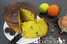 The #Panettone, the King of Italian Christmas #cakes... Have you ever tried to do this at #home? - Fratelli ai Fornelli