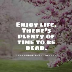 55 Short inspirational quotes about life and happiness. Here are the best happy life quotes and sayings to read that will inspire you and ma. Enjoy Your Life Quotes, Enjoying Life Quotes, Happy Life Quotes, Inspiring Quotes About Life, Inspirational Quotes, Be Yourself Quotes, Inspire, Life Coach Quotes, Inspirational Quotes On Life