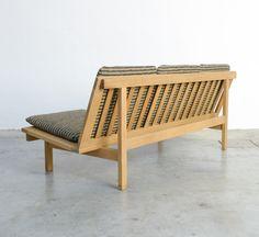 Børge Mogensen; #2218 Oak Sofa for Fredericia, 1960.