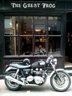 Triumph Thruxton.  ( The red ones are faster !!! )