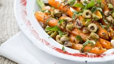 Carrot salad with mint, coriander and pistachios