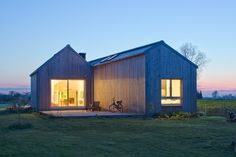 Gallery of Field House / Blank Architects - 1