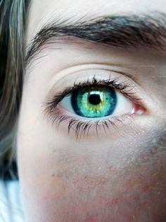Now THIS is how I picture Celaena's eyes to look like!!! (From Throne of Glass/ Crown of Midnight)