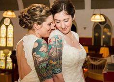 São tattoos descoladas, porque se um dia o amor terminar, não será tão vergonhoso assim.