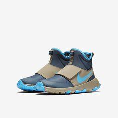 Nike Roshe Mid Winter Stamina Big Kids' Shoe