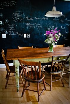 love the table and chalkboard.   found at http://gallery.apartmenttherapy.com/photo/susan-ryans-less-is-more-farmhouse-tour/item/183587
