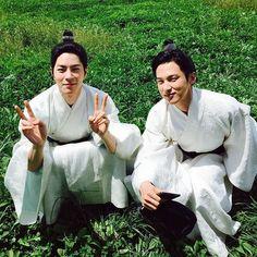 Imagen de dope, prince, and hongjonghyun Iu Moon Lovers, Moon Lovers Drama, Scarlet Heart Ryeo Funny, Hong Jong Hyun, Good Fellows, Drama Memes, Joo Hyuk, Drama Korea, Paros