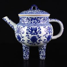 Hand-painted Chinese Blue And White Porcelain Teapot