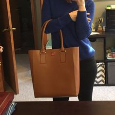 Nwt large brown Kate spade bag New with tags. too large for my taste. PRICE FIRM ***holiday sale kate spade Bags