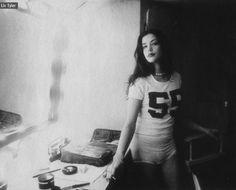 """midnight-charm: """" Liv Tyler photographed by Lara Rossignol, 1995 """" Steven Tyler, Ali Michael, Jane Birkin, Pretty People, Beautiful People, Beautiful Women, Amazing Women, Bebe Buell, Liv Tyler 90s"""
