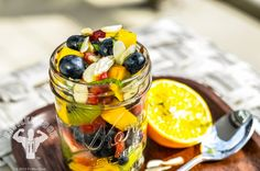 Contrary to what you may have heard, eating fruit will not make you fat. But having an unbalanced diet will. Breakfast fruit salad provides tons of. Clean Eating Recipes, Diet Recipes, Cooking Recipes, Healthy Recipes, Healthy Desserts, Healthy Meal Prep, Healthy Foods To Eat, Healthy Eating, Fit Foods