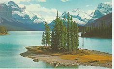 #Canada Maligne Lake and Spirit Island