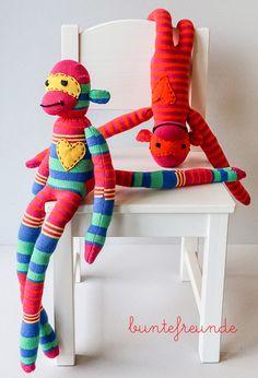 anleitung affe sockenaffe, tutorial, monkeys monkey socks nähen beschreibung kniestrümpfe