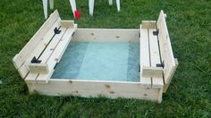 Sandbox with Bench Cover-DIY Sandbox Projects (Video) The convertible with built in cover converts to benches for kids seating. Sand Projects, Outdoor Projects, Home Projects, Build A Sandbox, Kids Sandbox, Sandbox Diy, Outdoor Fun, Outdoor Decor, Outdoor Living