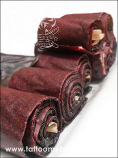 Blueberry Leather Fruit Roll-Ups Blueberry Season, Fruit Roll Ups, How To Make Jam, Yummy Snacks, Broccoli, Good Food, Tattoo, Awesome, Leather