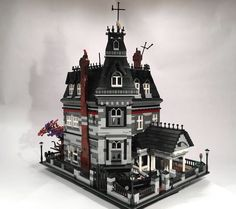 Lego Adams Family House ... Love it!