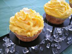 Cupcakeluv: Diamond & Gold Dust Cupcakes
