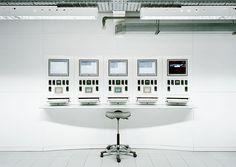 http://prostheticknowledge.tumblr.com/post/23443787989/greg-white-technology-photographic-portfolio