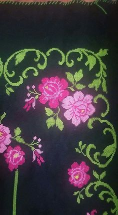 This Pin was discovered by HUZ Cross Stitch Embroidery, Cross Stitch Patterns, Cross Stitch Flowers, Embroidery Designs, Diy And Crafts, Decoration, Erdem, Palestine, Models