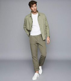 At REISS you will find the best mens fashion clothing. We have lots of popular styles available for the modern man. Casual Outfits, Men Casual, Best Dressed Man, Photography Poses For Men, Best Mens Fashion, Mens Clothing Styles, Fashion Pants, Men Dress, Menswear