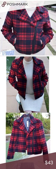 GAP Red Plaid Coat #NWT new red plaid Gap jacket! Really warm and great for these cold but sunny days! 💫 GAP Jackets & Coats