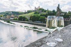Ein kulinarischer City Guide für Würzburg: Weingüter und Vinotheken, Aktivitäten und Restaurants von Sternen bis Street Food, Cafés und Einkaufs-Tipps.