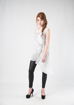Annah Stretton Wanda Tunic - white tunics for wedding guests | For sale online and instore! Sheer white tunics with floral patterns. Pretty white tunics. (Follow the link above!) Photography; Nicole Troost