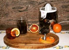 """""""Non è un caso che #madrenatura dispensi una così ampia copertura stagionale: gli #agrumi sono tra le fonti poi massicce di #vitaminac , la regina degli #antinfluenzali , e di vitamina A (quella antitossine)"""" #paoliniguarlotti  #succodarancia  #orangejuice  #arance  #orange  #oranges  #glasses  #alessi  #ichendorf  #eating  #drinking  #homesweethome  #cooking  #photooftheday  #breakfast  #colazione  #colazionesana  #fruit  #frutta  #fruttafresca Alessi, Coffee Maker, Kitchen Appliances, Vitamin C, Coffee Maker Machine, Cooking Ware, Coffee Percolator, Home Appliances, Coffeemaker"""