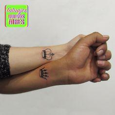 Tattoo Corona rey y reina parejas  realizado por Jose Luis Segura en Tatuajes Buenos Aires Argentina  Pagina web www.tatuajesbuenosaires.com Whatsapp + 54 9 11 5882-5558  #tatuajes #corona minimalista #diferente #personalizada