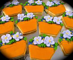 Violet Flower Pot 3D cookies