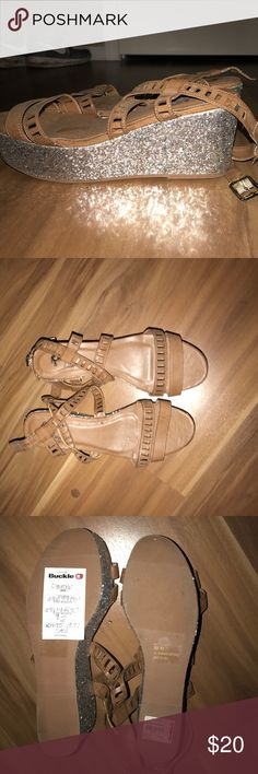 Selling this Strappy Chunk Sandal on Poshmark! My username is: khaleia17. #shopmycloset #poshmark #fashion #shopping #style #forsale #Daytrip #Shoes