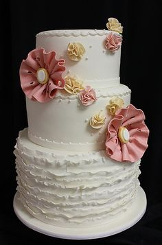 Small Ruffle Wedding Cake by Amanda Oakleaf Cakes, via Flickr