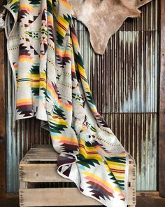 Beach or shower these plush Pendleton southwest oversized towels make you never want to go back to a regular ol towel! #sopretty #sosoft #wrapmeup #savannah7s #newarrival