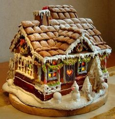 This Christmas, look to our best gingerbread house ideas for an afternoon of DIY fun. Here's how to make a gingerbread house, plus all our favorite gingerbread house decorating ideas to make with your kids! Cool Gingerbread Houses, Gingerbread House Parties, Gingerbread Village, Christmas Gingerbread House, Noel Christmas, Christmas Goodies, Christmas Treats, Christmas Baking, Gingerbread Cookies