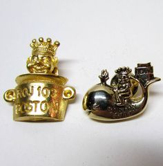 Set of 2 Vintage Gold Tone Boston Pins / Lapel Pins / Scatter Pins / Hat Pins, Costume Jewelry - Accessories - Collectable Pins by VINTAGEandMOREshop on Etsy https://www.etsy.com/listing/241242785/set-of-2-vintage-gold-tone-boston-pins