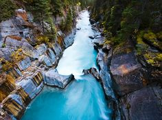 British Columbia's Kootenay National Park features a fully developed hot spring and other popular geological attractions. The narrow park is bisected by Hwy. and much of its spectacular scenery can be viewed from the road. Canada National Parks, Parks Canada, National Geographic, Foto Blog, Future Travel, Places Around The World, British Columbia, Travel Photos, Travel Ideas